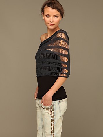 Ladder Snap Shoulder Shrug :  fashion layer top convertible