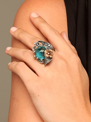 Emerald Wings Ring :  gemstone design jewelry accessories