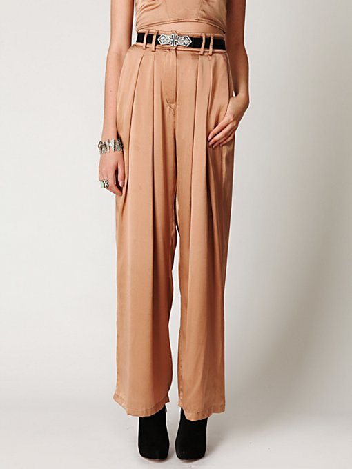 Pleated Wideleg Pant
