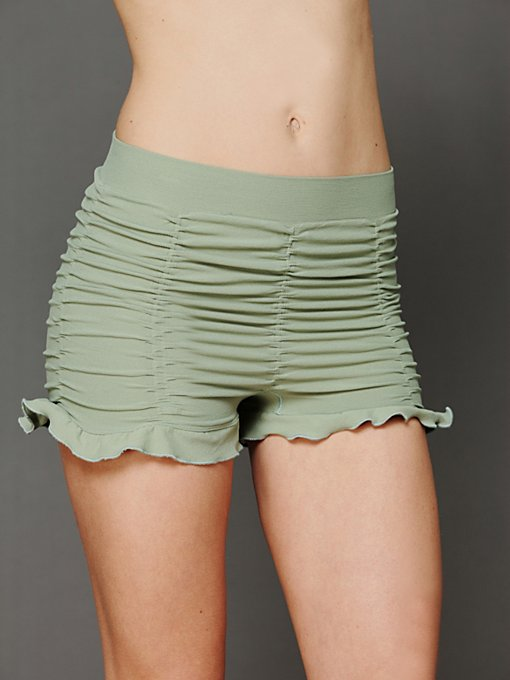 Ruched Seamless Shorts in Underneath-It-All