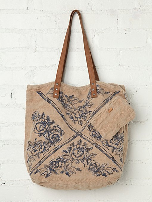 Faded Heartland Tote in beach