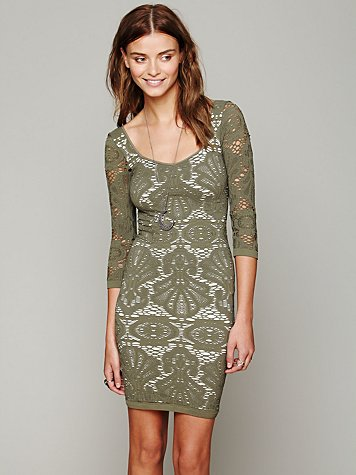 Intimately 3/4 Seamless Medallion Bodycon Dress