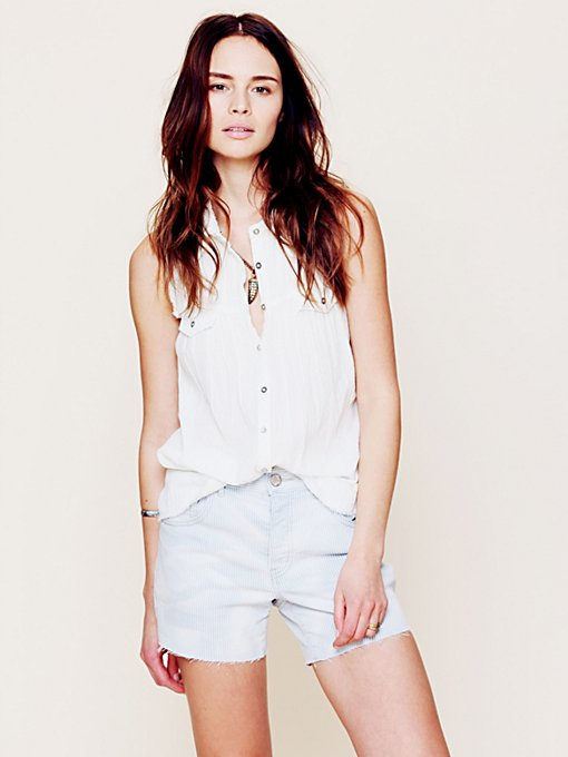 Free People Denim Boyfriend Short in Jean-Shorts