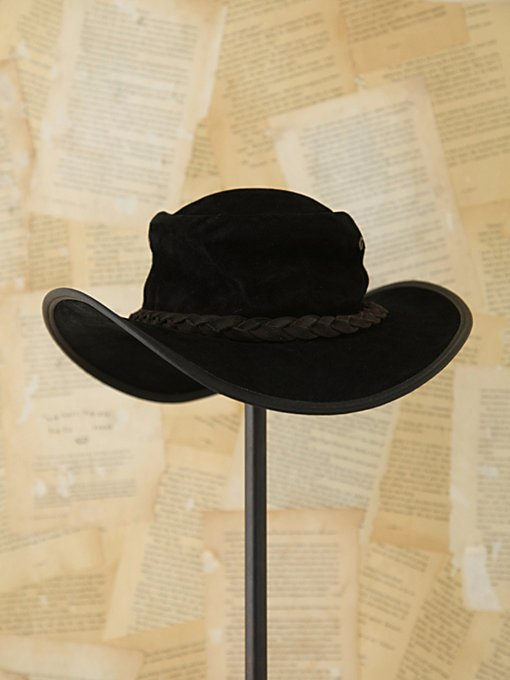Free People Vintage Black Suede Hat in Vintage-Accessories